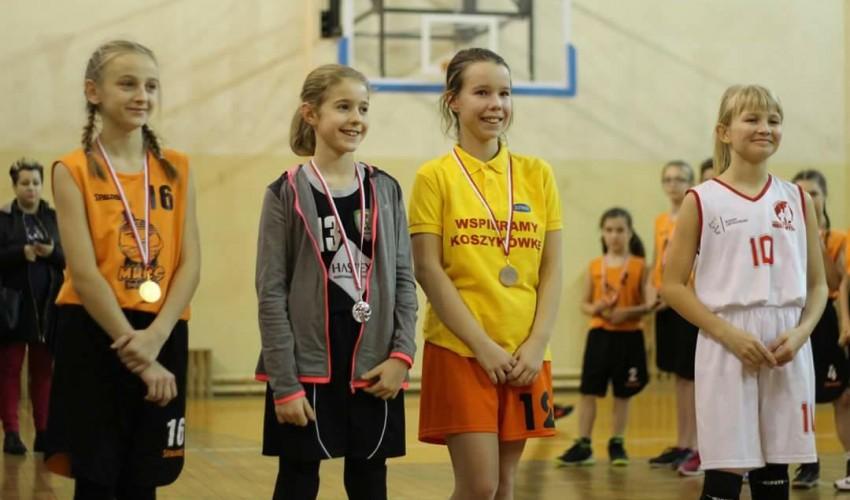 Najmłodsze Basketki dzielnie walczą :)
